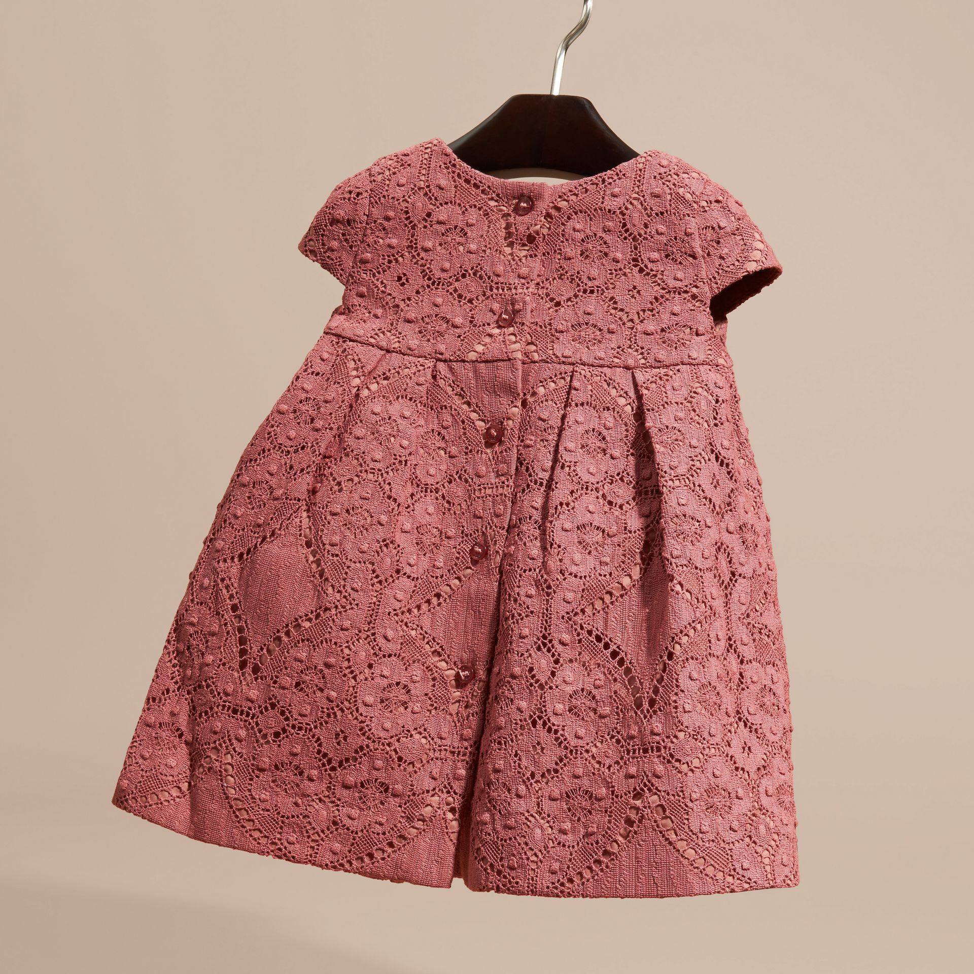 Rose antique Robe trapèze en dentelle anglaise - photo de la galerie 4