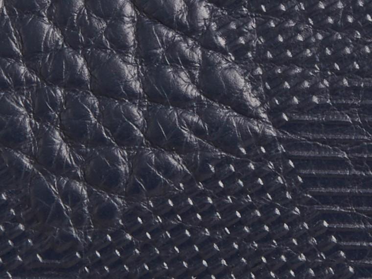 Blu carbonio Pochette in pelle con motivo check in rilievo Blu Carbonio - cell image 1