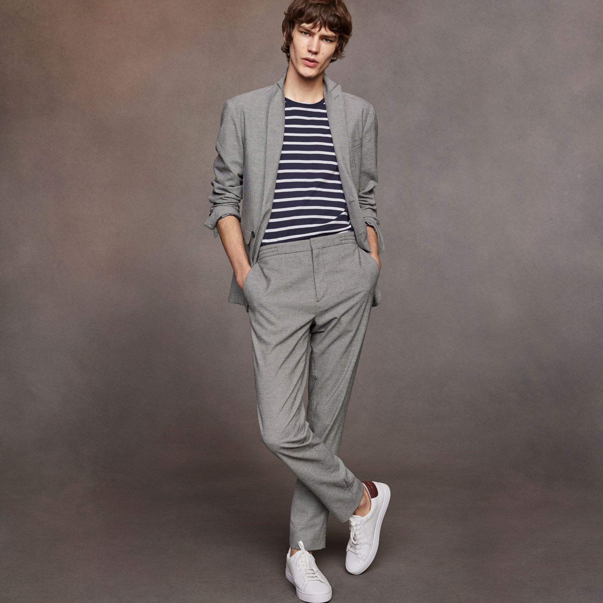 Micro Houndstooth Cotton Wool Blend Drawstring Trousers in Charcoal - Men | Burberry Australia - gallery image 5