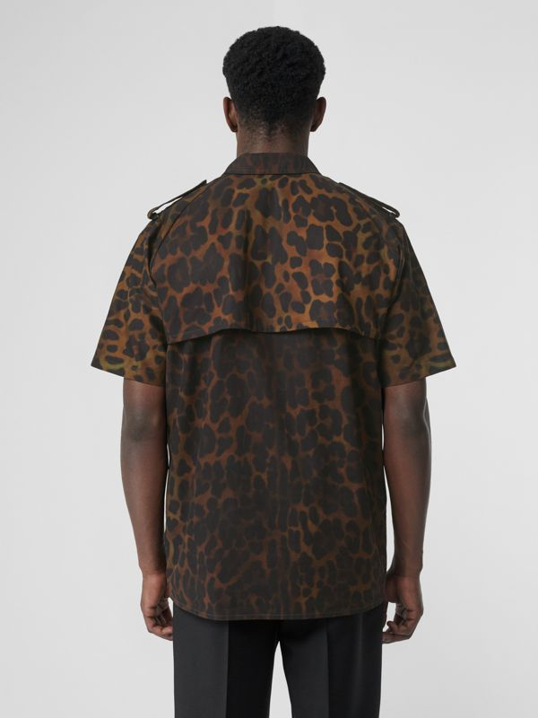 Short-sleeve Leopard Print Cotton Shirt in Khaki Green | Burberry Hong Kong S.A.R - cell image 2