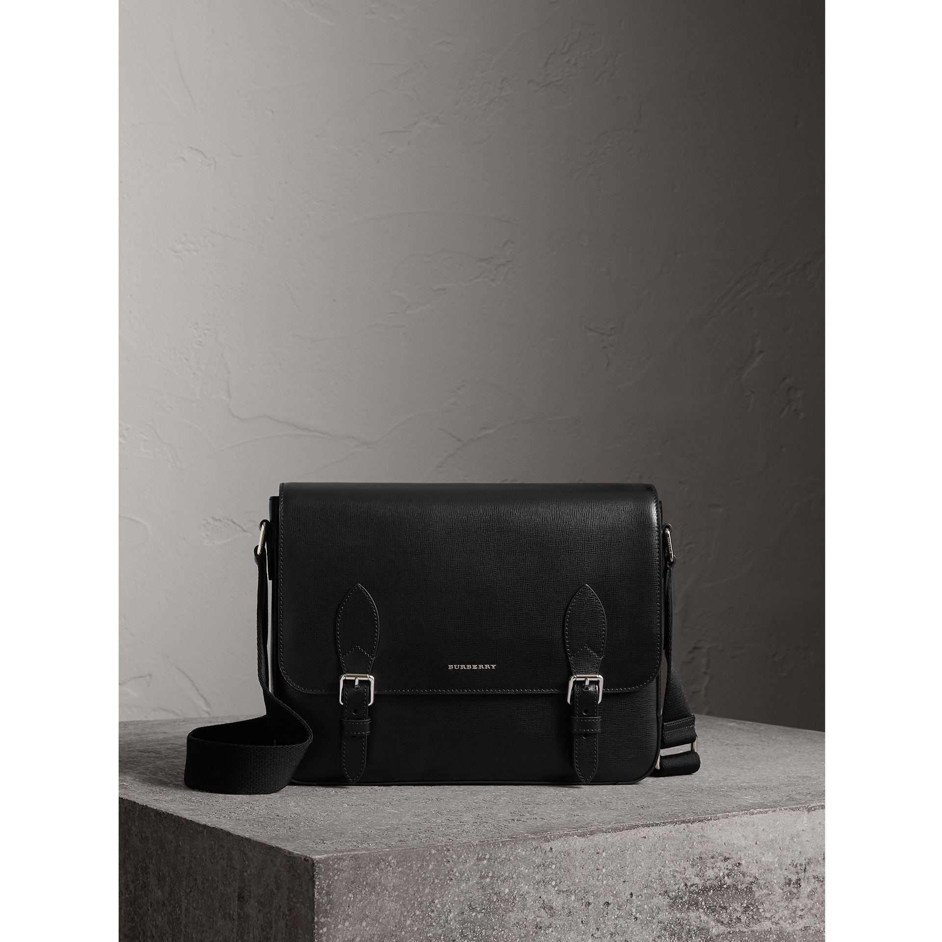 Medium London Leather Messenger Bag in Black - Men | Burberry - gallery image 0
