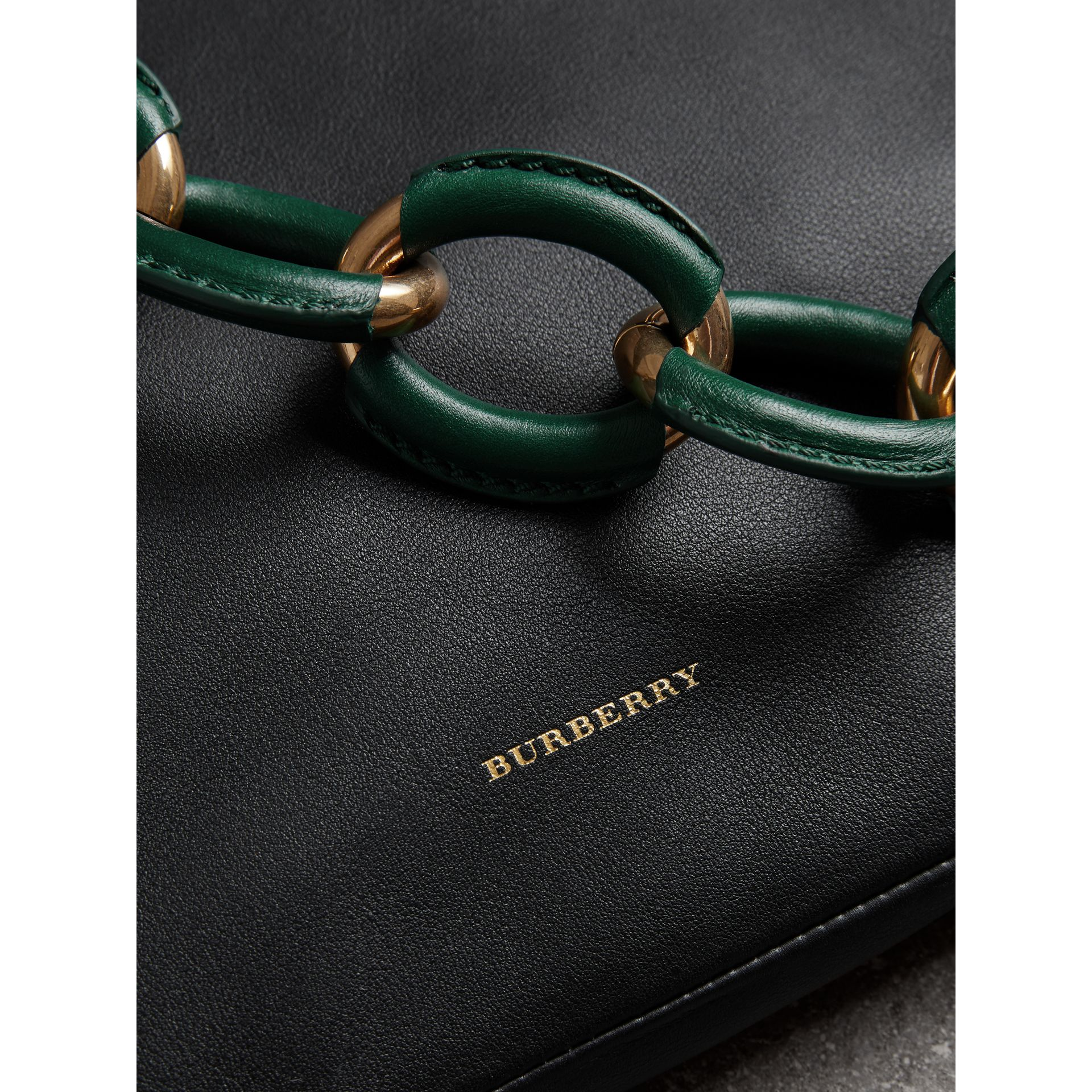 Medium Two-tone Leather Shopper in Black - Women | Burberry Hong Kong - gallery image 1