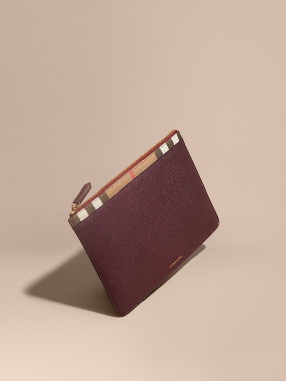 Zipped Grainy Leather and House Check Pouch in Wine