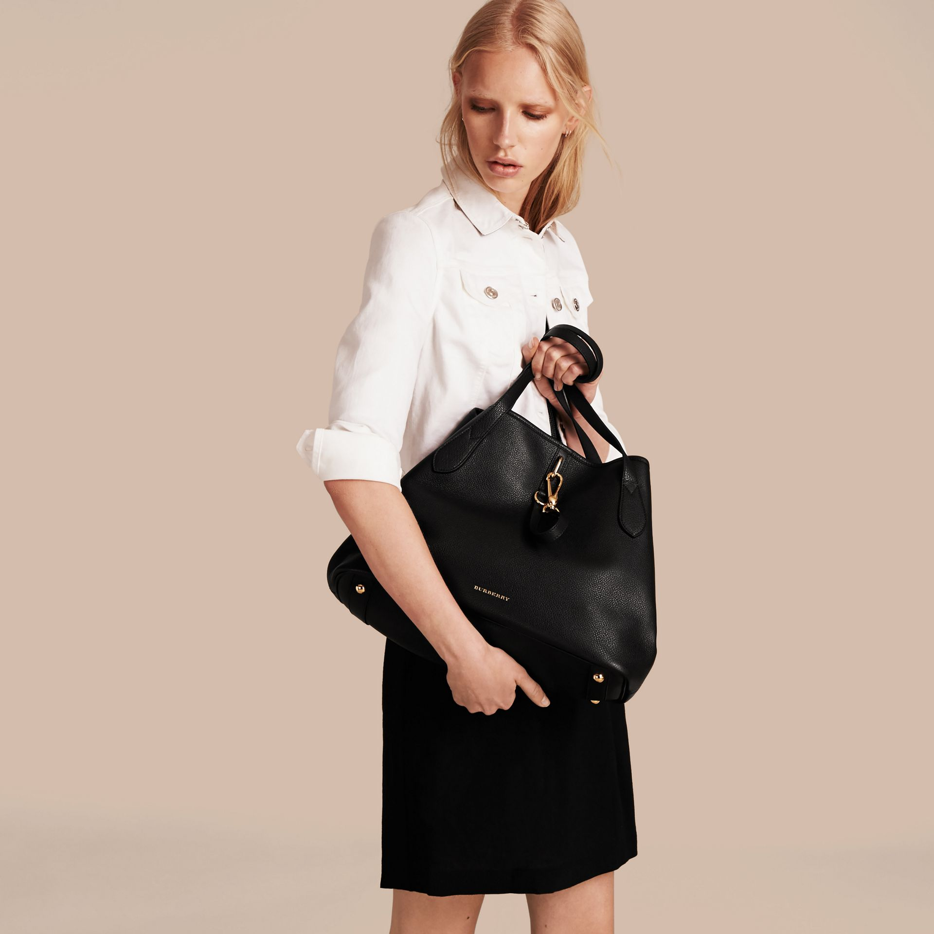 Medium Grainy Leather Tote Bag in Black - Women | Burberry - gallery image 3