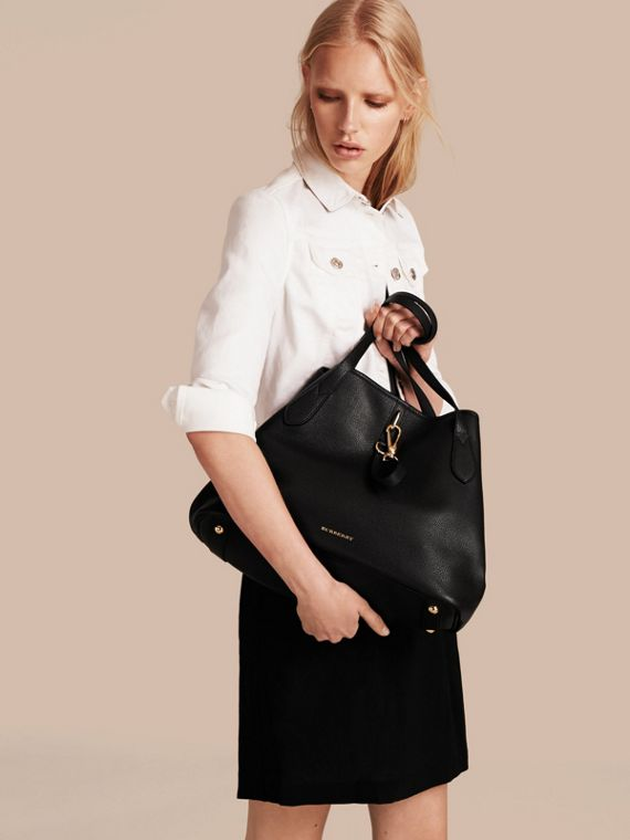 Medium Grainy Leather Tote Bag in Black - Women | Burberry - cell image 2