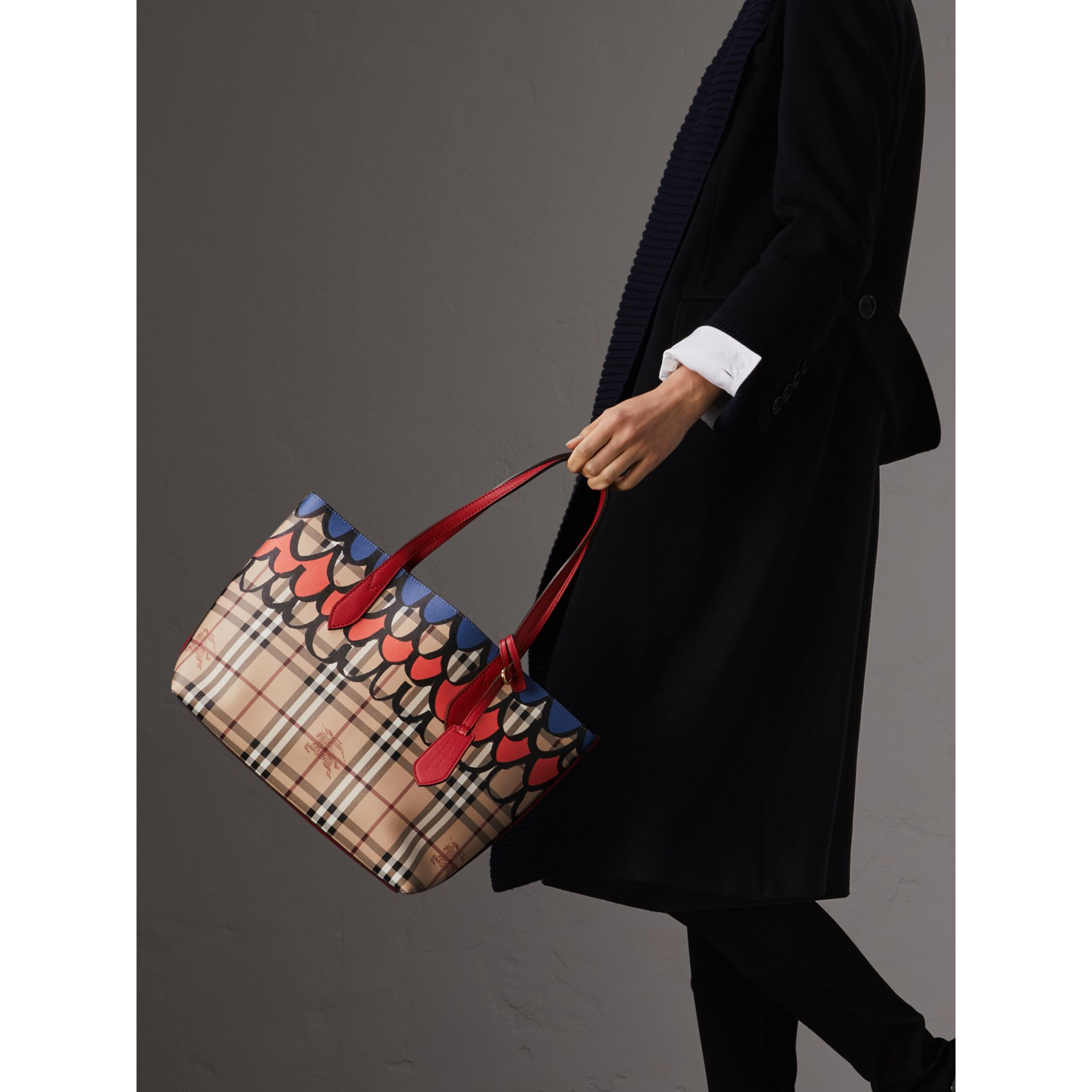 The Small Reversible Tote in Trompe L'oeil Print in Poppy Red - Women | Burberry - gallery image 3