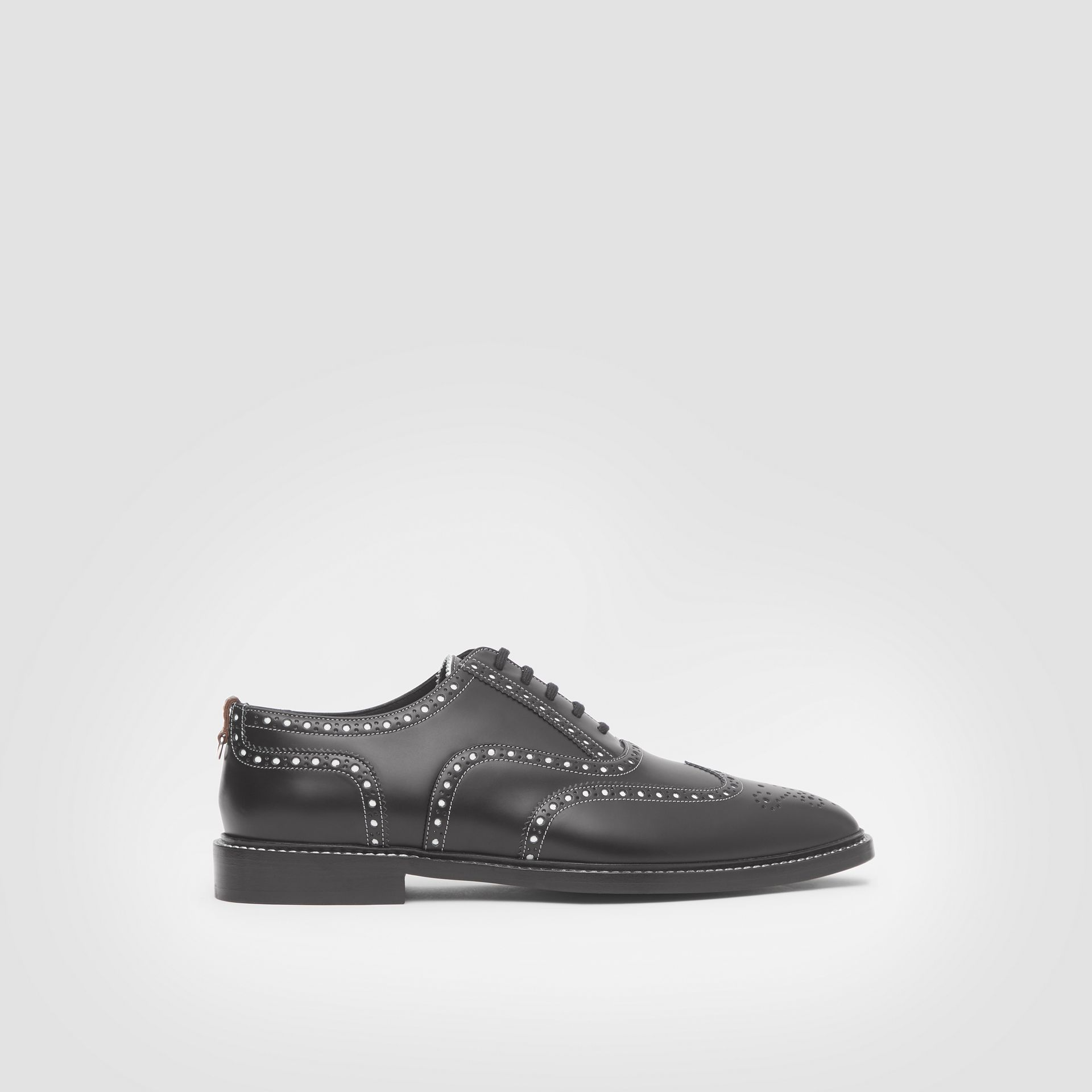D-ring Detail Two-tone Leather Oxford Brogues in Black/white - Men | Burberry United Kingdom - gallery image 4
