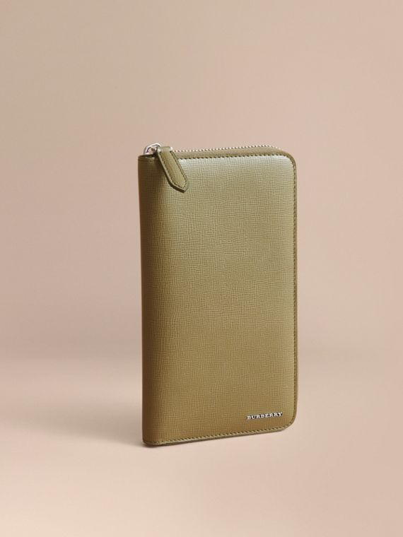 London Leather Ziparound Wallet in Olive Green