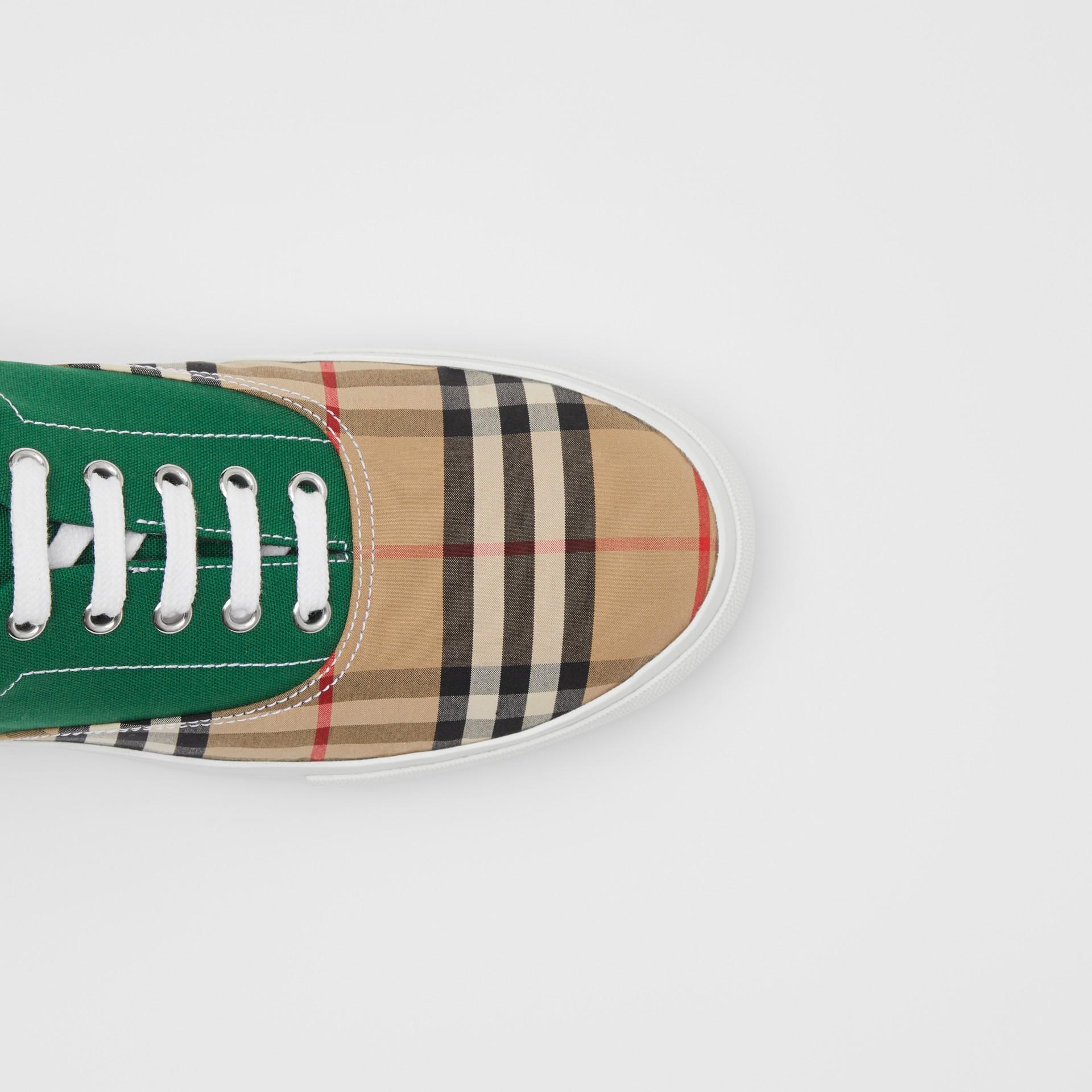 Sneakers en tissu Vintage check, toile de coton et cuir velours (Beige D'archive/vert) - Homme | Burberry - photo de la galerie 1