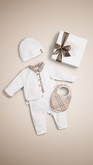 Conjunto de regalo para bebé de cuatro piezas en algodón