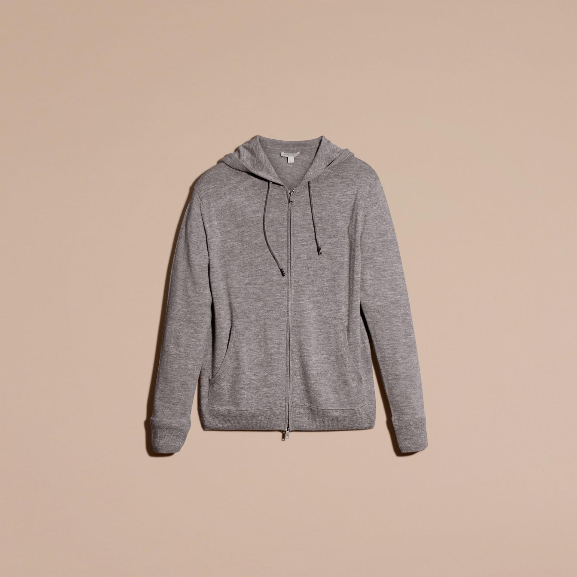 Camaïeu de gris moyens Haut à capuche en cachemire - photo de la galerie 4