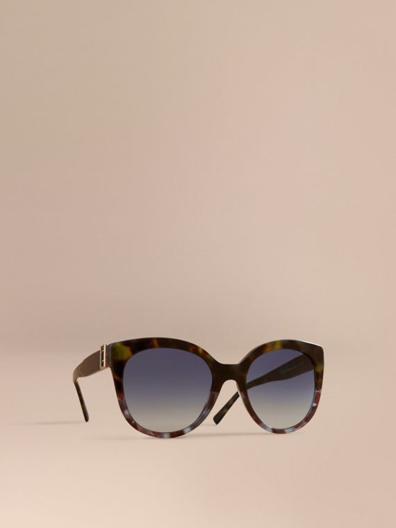 Buckle Detail Cat-eye Frame Sunglasses in Apple Green - Women | Burberry Canada