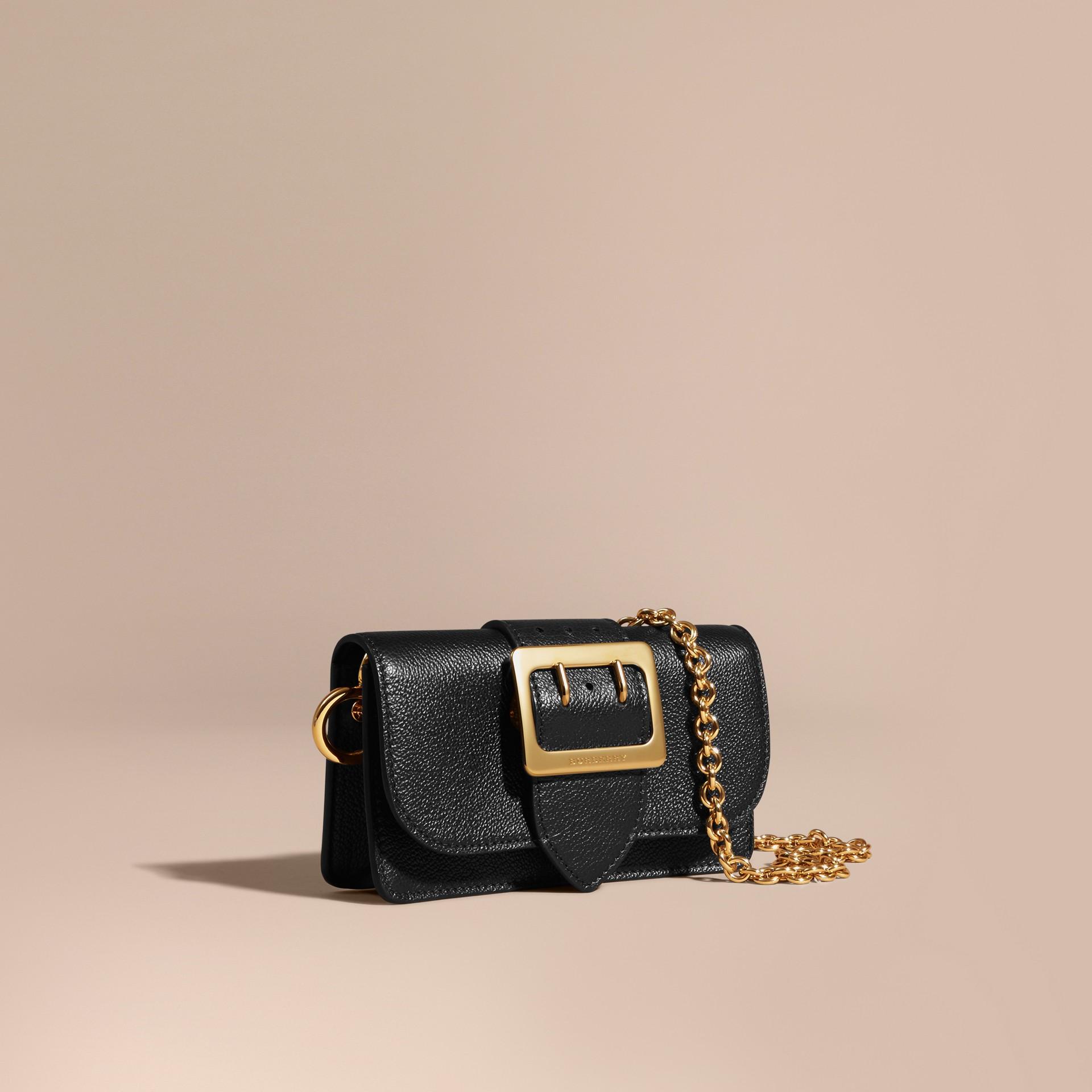 Noir Mini sac The Buckle en cuir grainé Noir - photo de la galerie 1