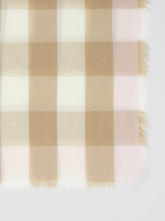 Lightweight Check Cashmere Scarf in Alabaster | Burberry - cell image 1