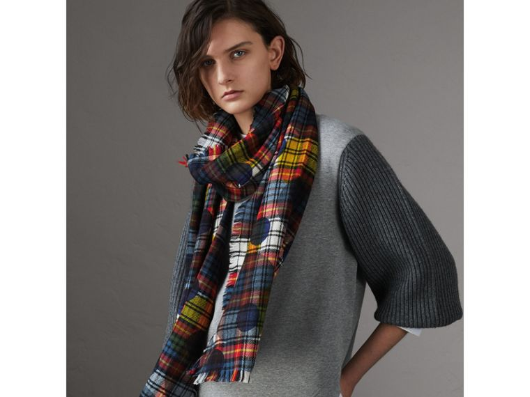 Dot Print Tartan Wool Scarf in Bright Red | Burberry - cell image 2