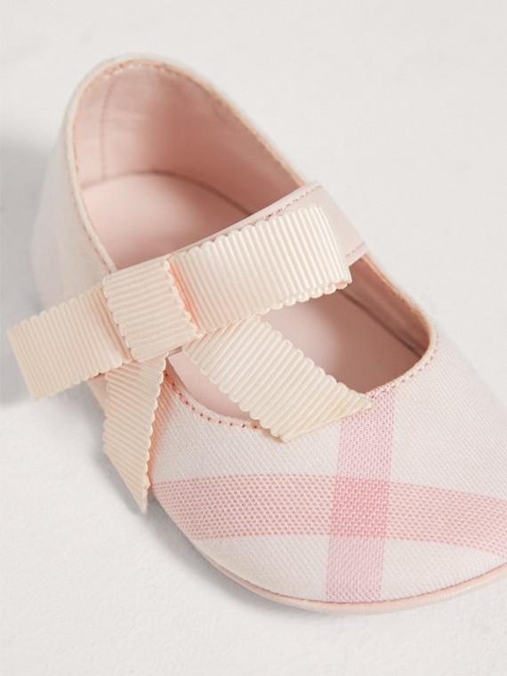 Ballerine con fiocco in cotone e pelle con motivo tartan (Rosa Ghiaccio) | Burberry - cell image 3