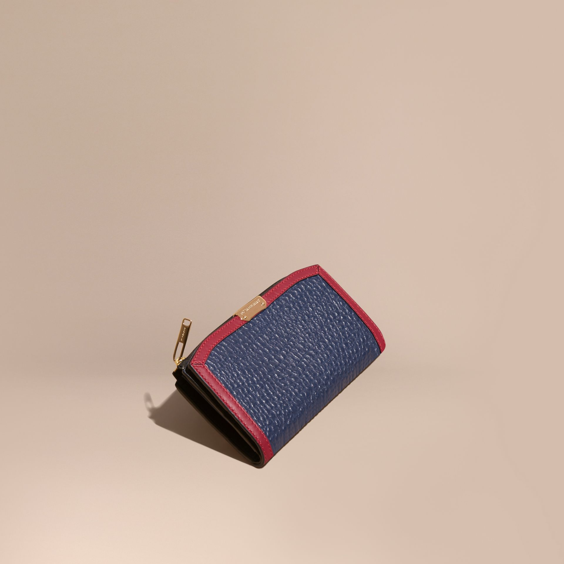 Blue carbon/parade red Border Detail Signature Grain Leather Ziparound Wallet - gallery image 1