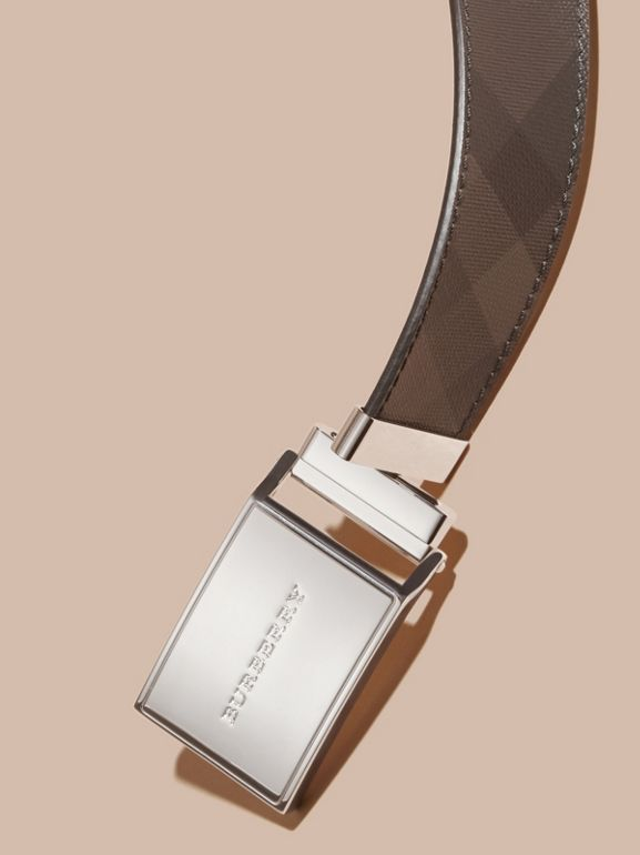 Reversible London Check and Leather Plaque Belt in Black - Men | Burberry United Kingdom - cell image 1
