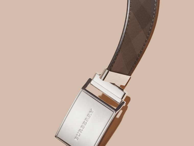 Reversible Smoked Check and Leather Plaque Belt in Black - Men | Burberry Canada - cell image 1