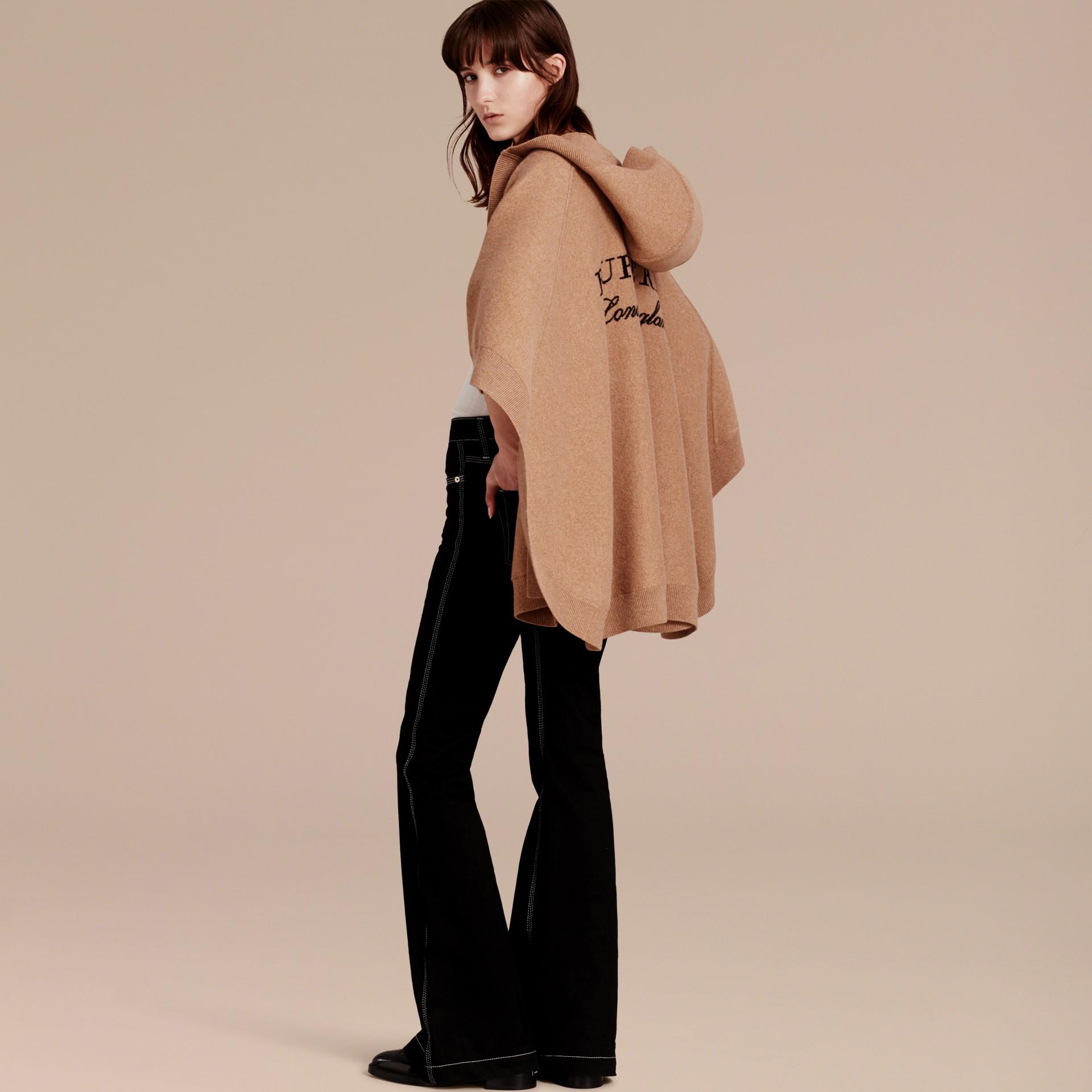 Cammello Poncho con cappuccio in misto lana e cashmere Cammello - immagine della galleria 6