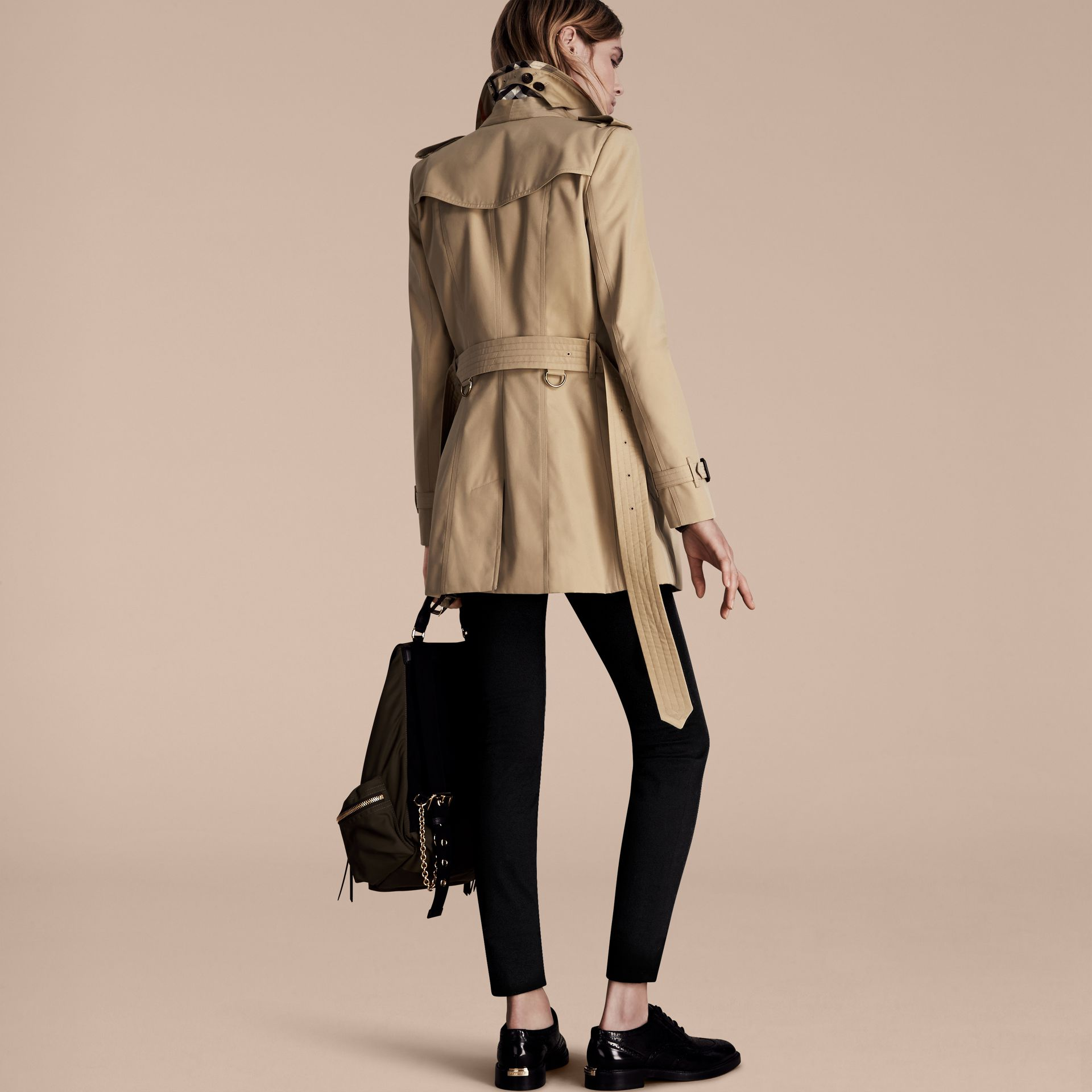 Miel Trench-coat Heritage court The Chelsea Miel - photo de la galerie 3