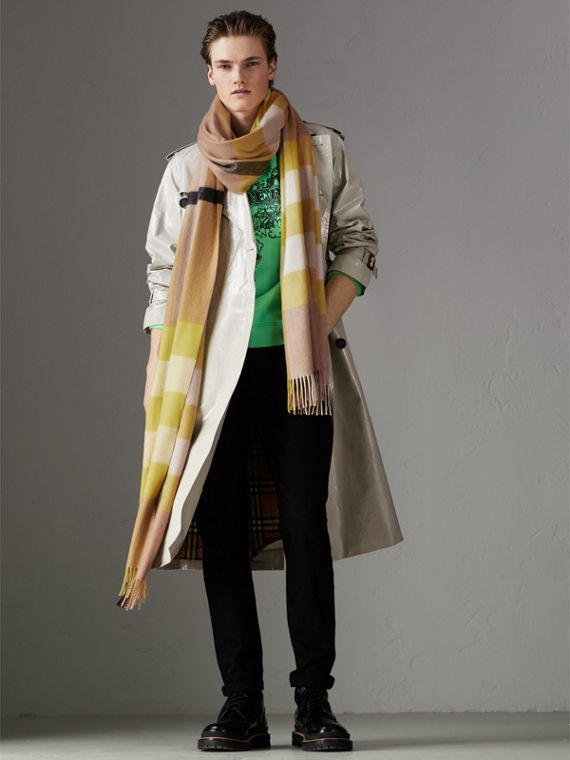 Oversize Check Cashmere Scarf in Bright Lemon | Burberry United States - cell image 3