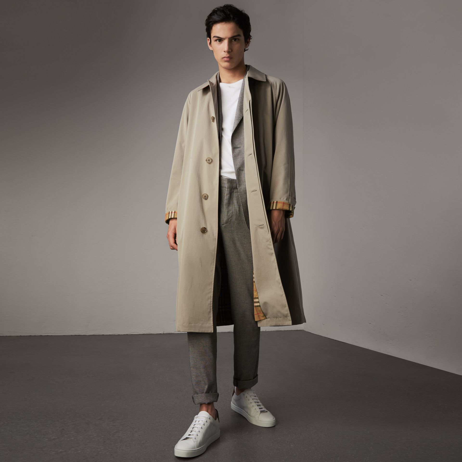 Car Coat The Brighton (Gris Sable) - Homme | Burberry - photo de la galerie 0