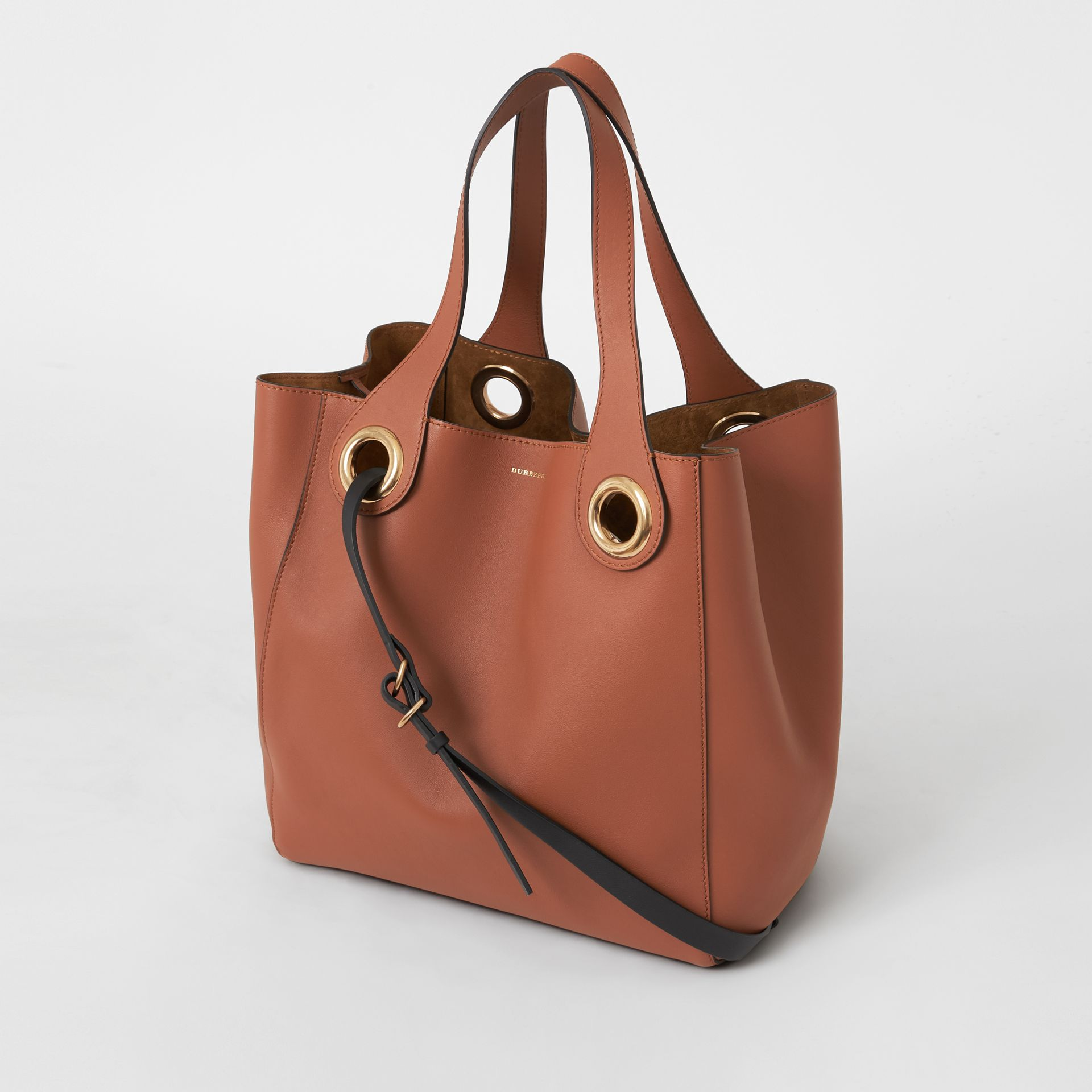 The Leather Grommet Detail Tote in Tan - Women | Burberry - gallery image 4