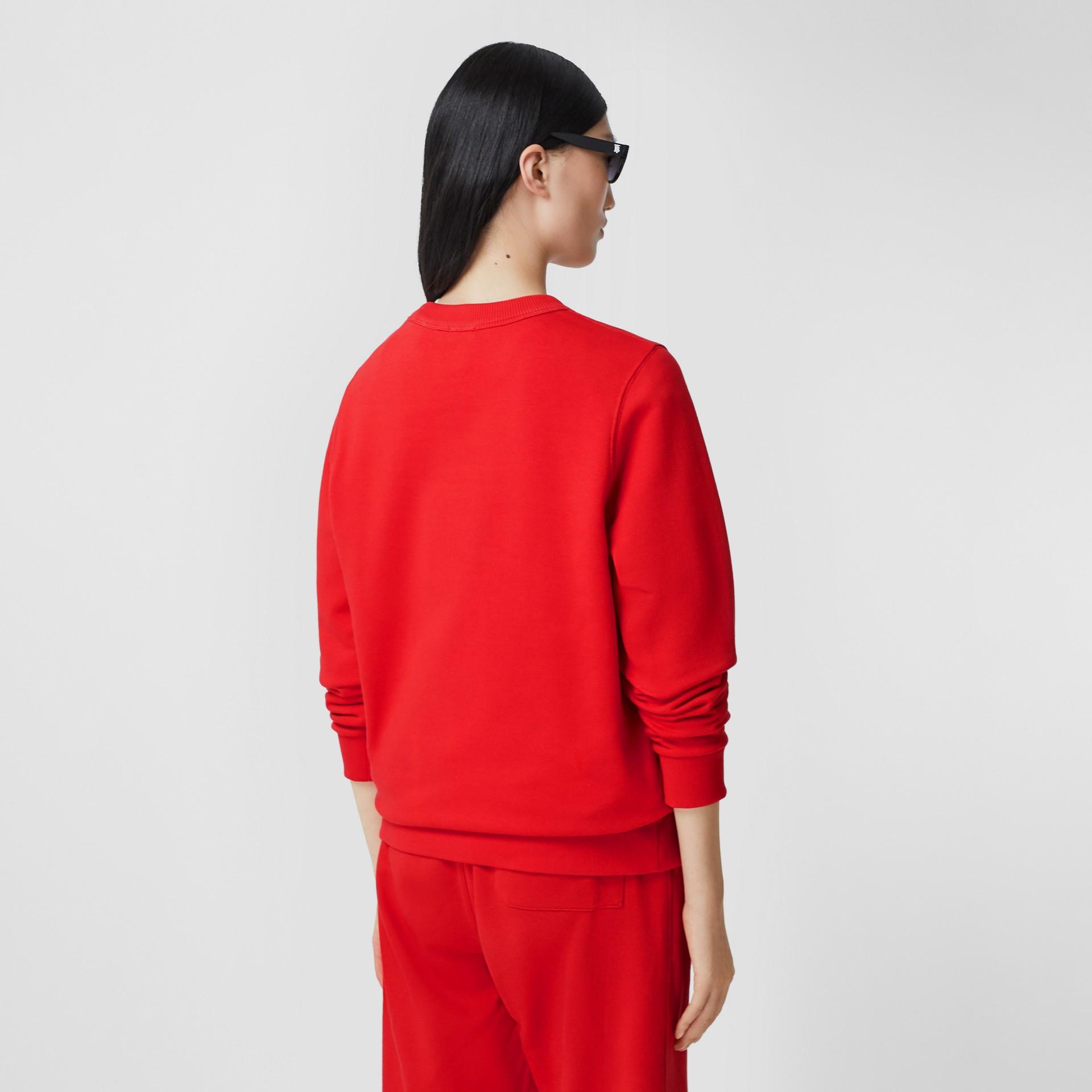 花押字圖案棉質寬版運動衫 (亮紅色) - 女款 | Burberry - 圖庫照片 2