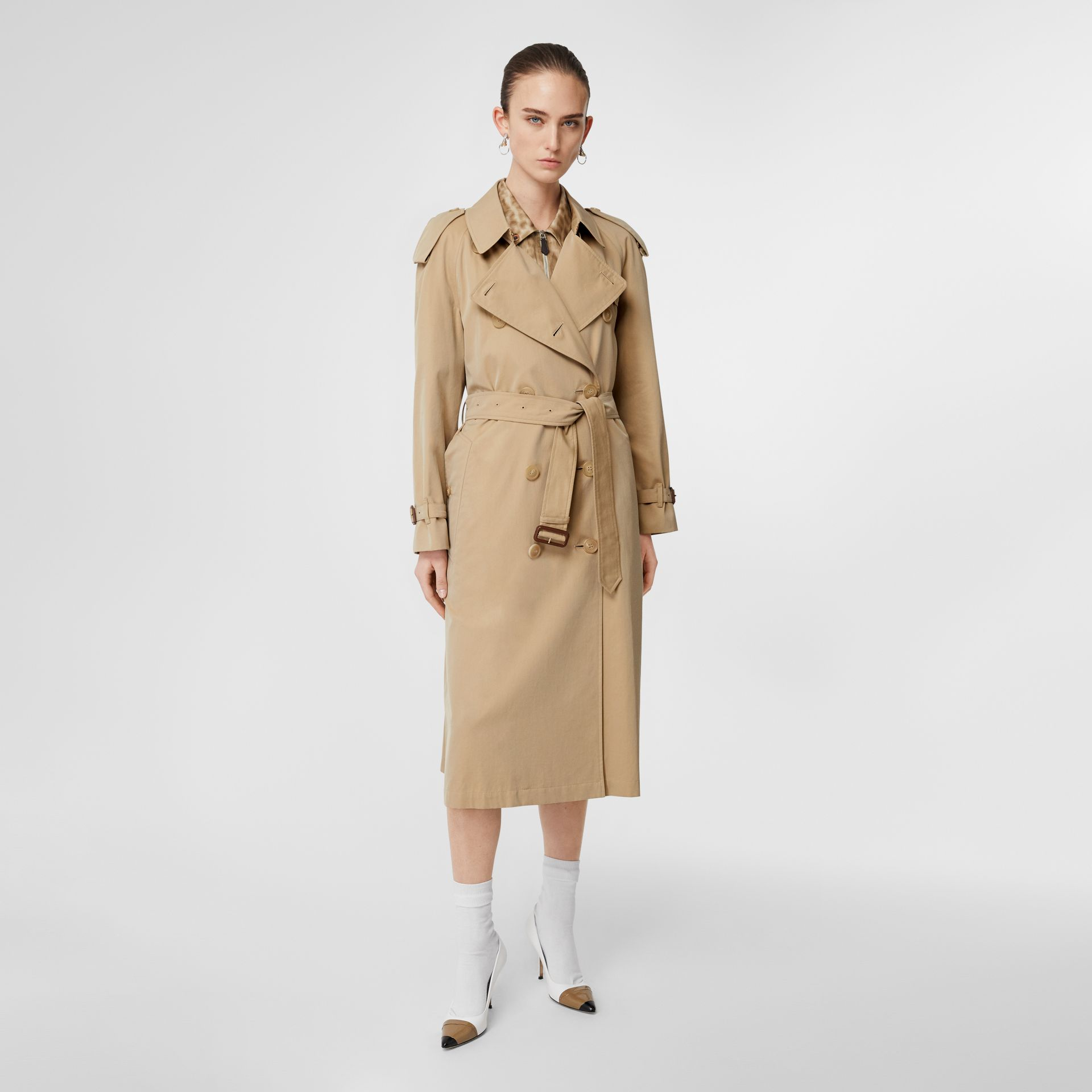 The Long Westminster Heritage Trench Coat in Honey - Women | Burberry United Kingdom - gallery image 7