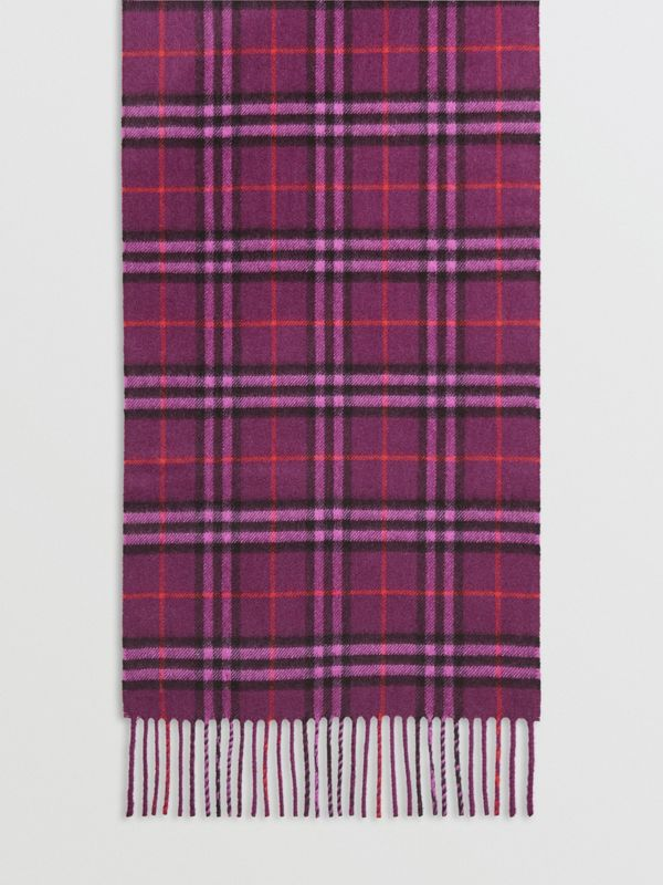 The Classic Vintage Check Cashmere Scarf in Dark Violet | Burberry United Kingdom - cell image 2