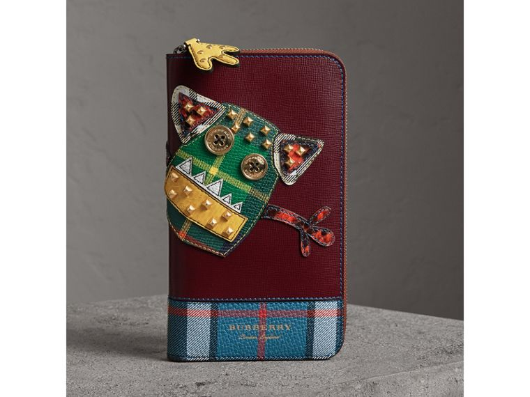 Creature Appliqué Leather Ziparound Wallet in Burgundy Red - Men | Burberry - cell image 4