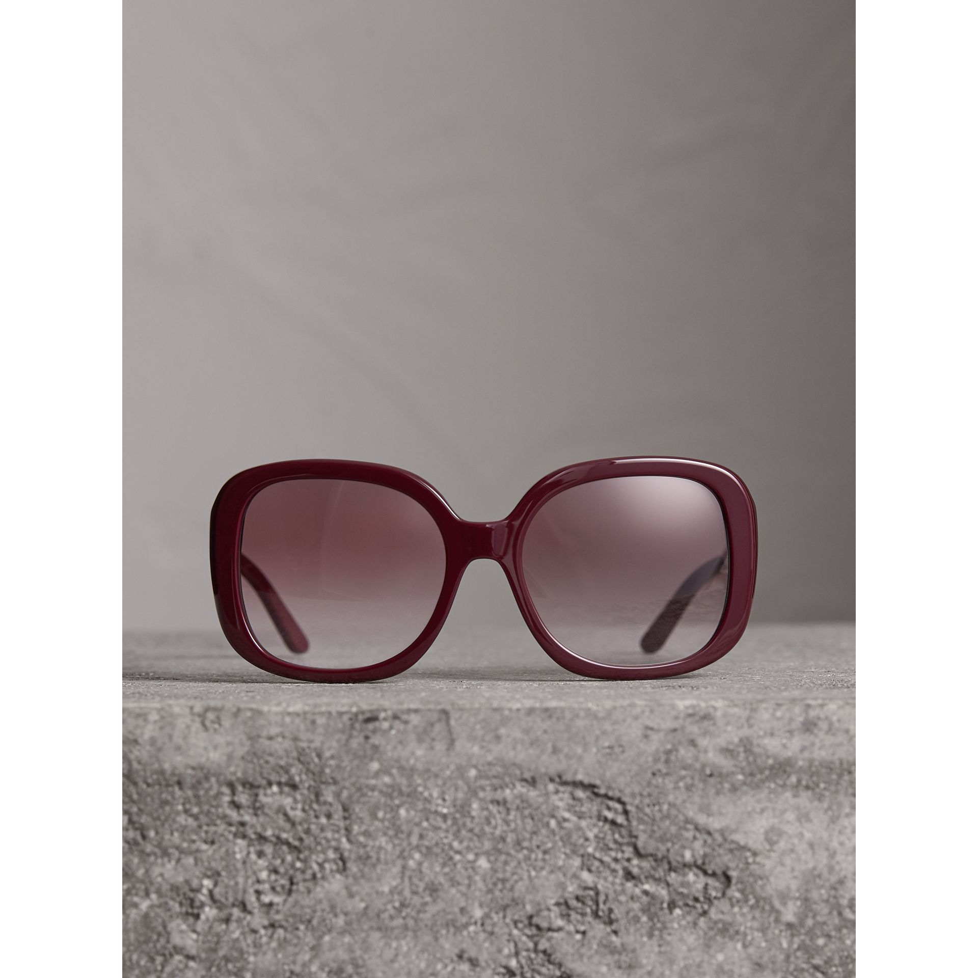 Square Frame Sunglasses in Burgundy - Women | Burberry United Kingdom - gallery image 3