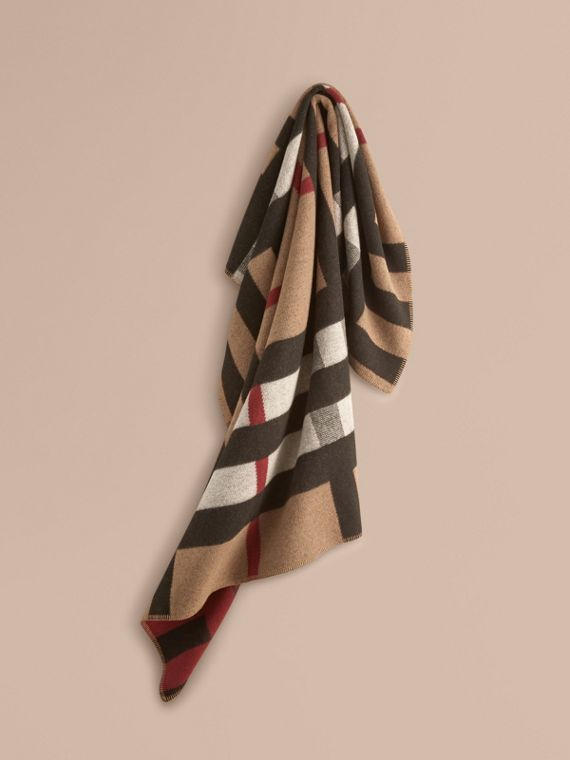 Check Wool Cashmere Blanket in House Check/black | Burberry Canada