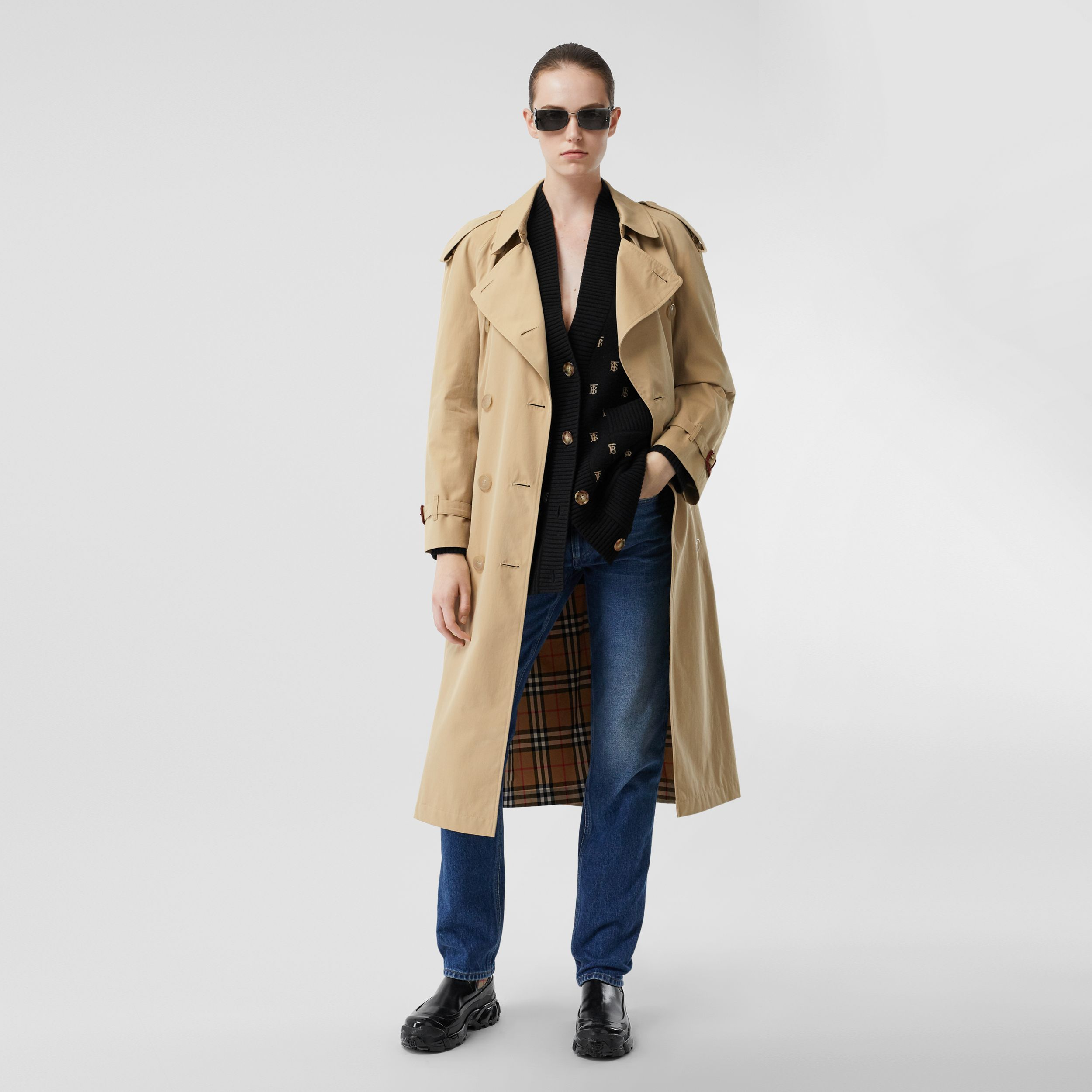 The Long Westminster Heritage Trench Coat in Honey - Women | Burberry - 1