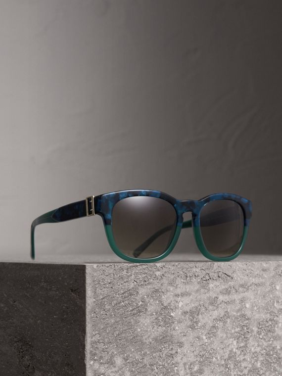 Buckle Detail Square Frame Sunglasses in Blue