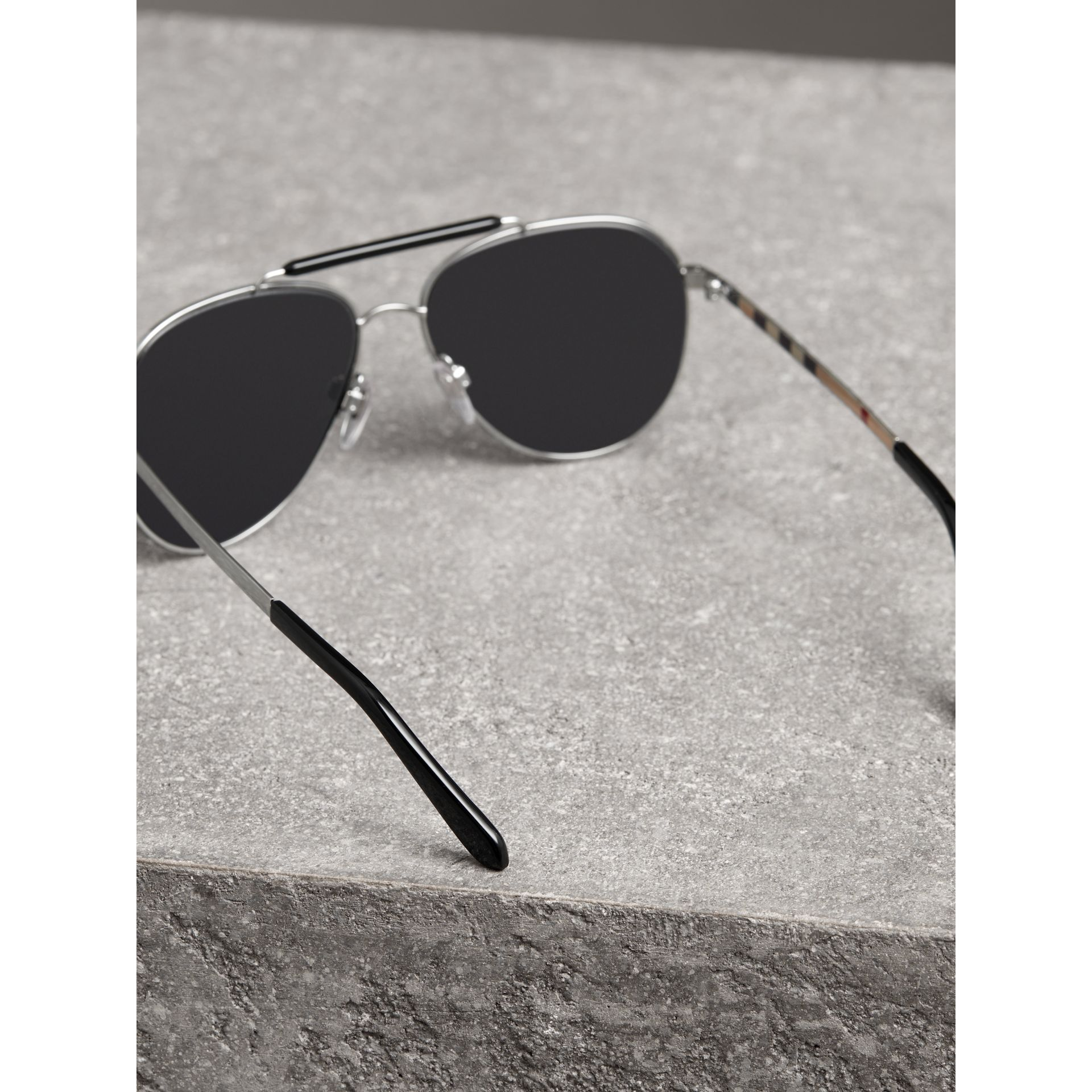 Top Bar Detail Pilot Sunglasses in Black - Men | Burberry Australia - gallery image 4
