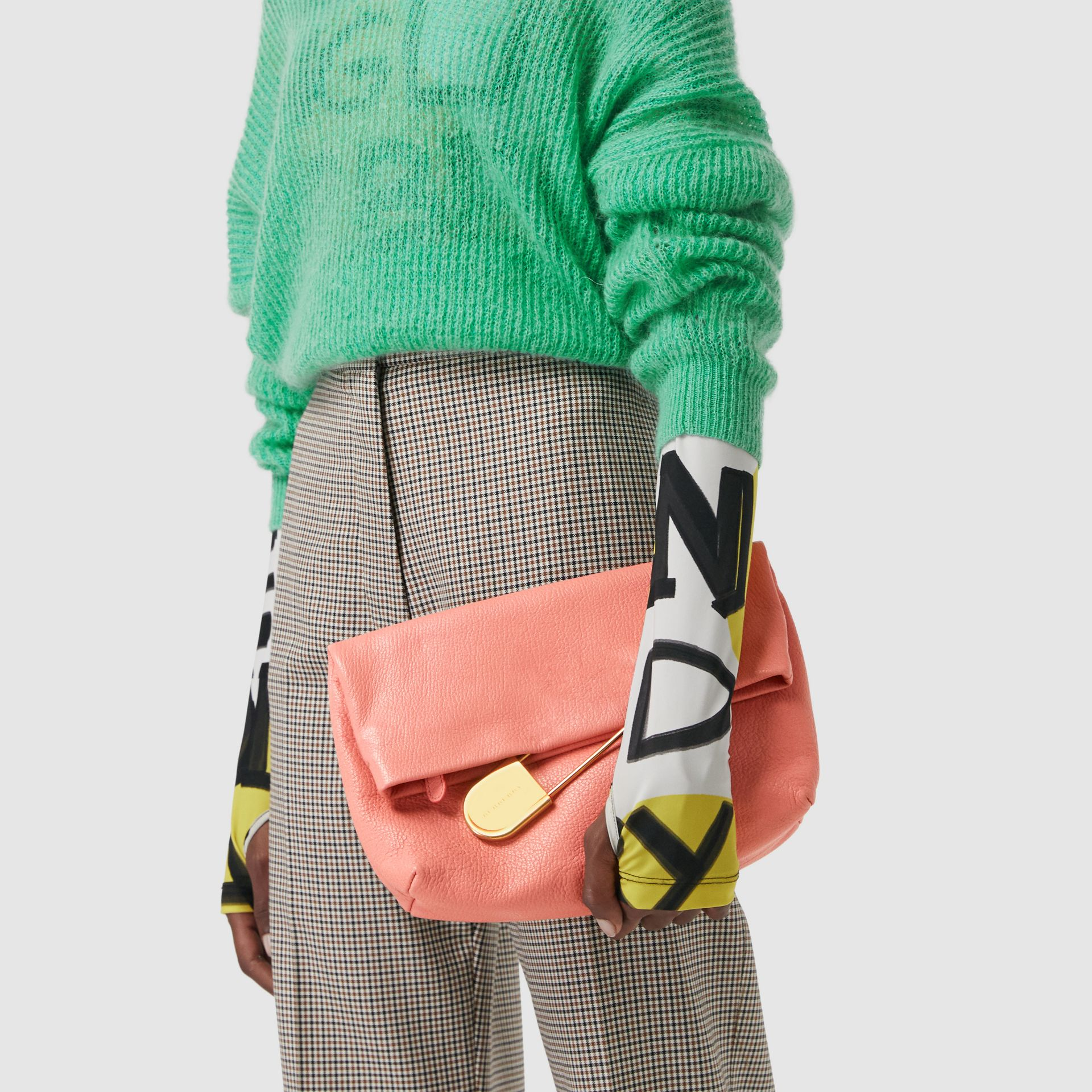 The Medium Pin Clutch in Leather in Bright Coral Pink - Women | Burberry United Kingdom - gallery image 3