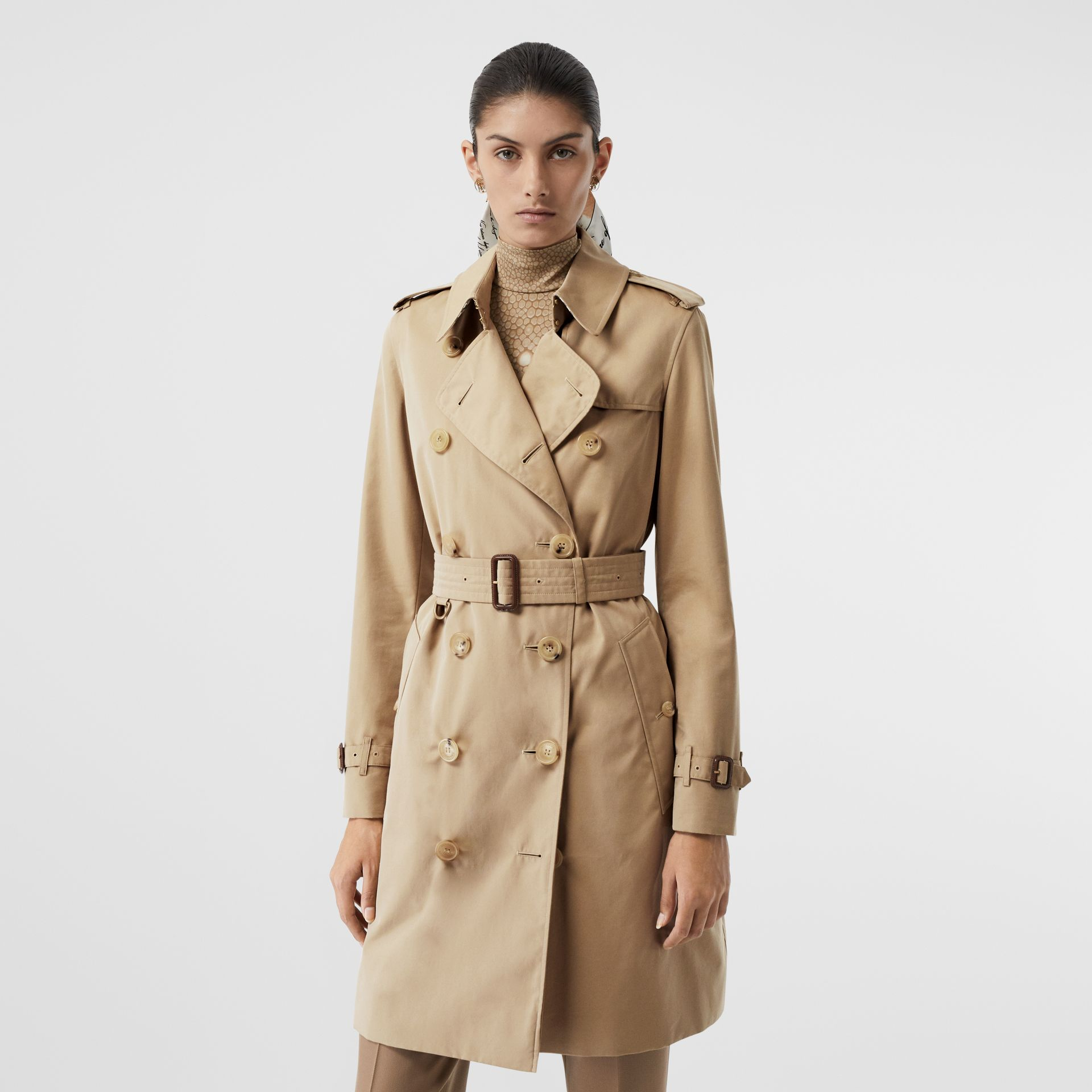 The Mid-length Kensington Heritage Trench Coat in Honey - Women | Burberry United Kingdom - gallery image 7