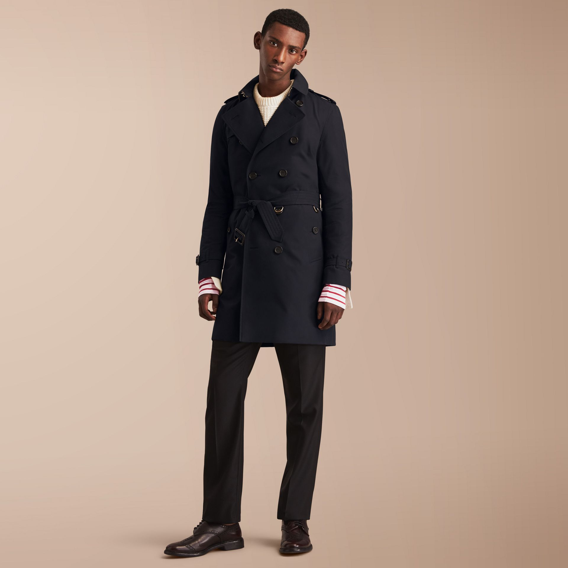 The Kensington – Long Heritage Trench Coat in Navy - Men | Burberry - gallery image 8