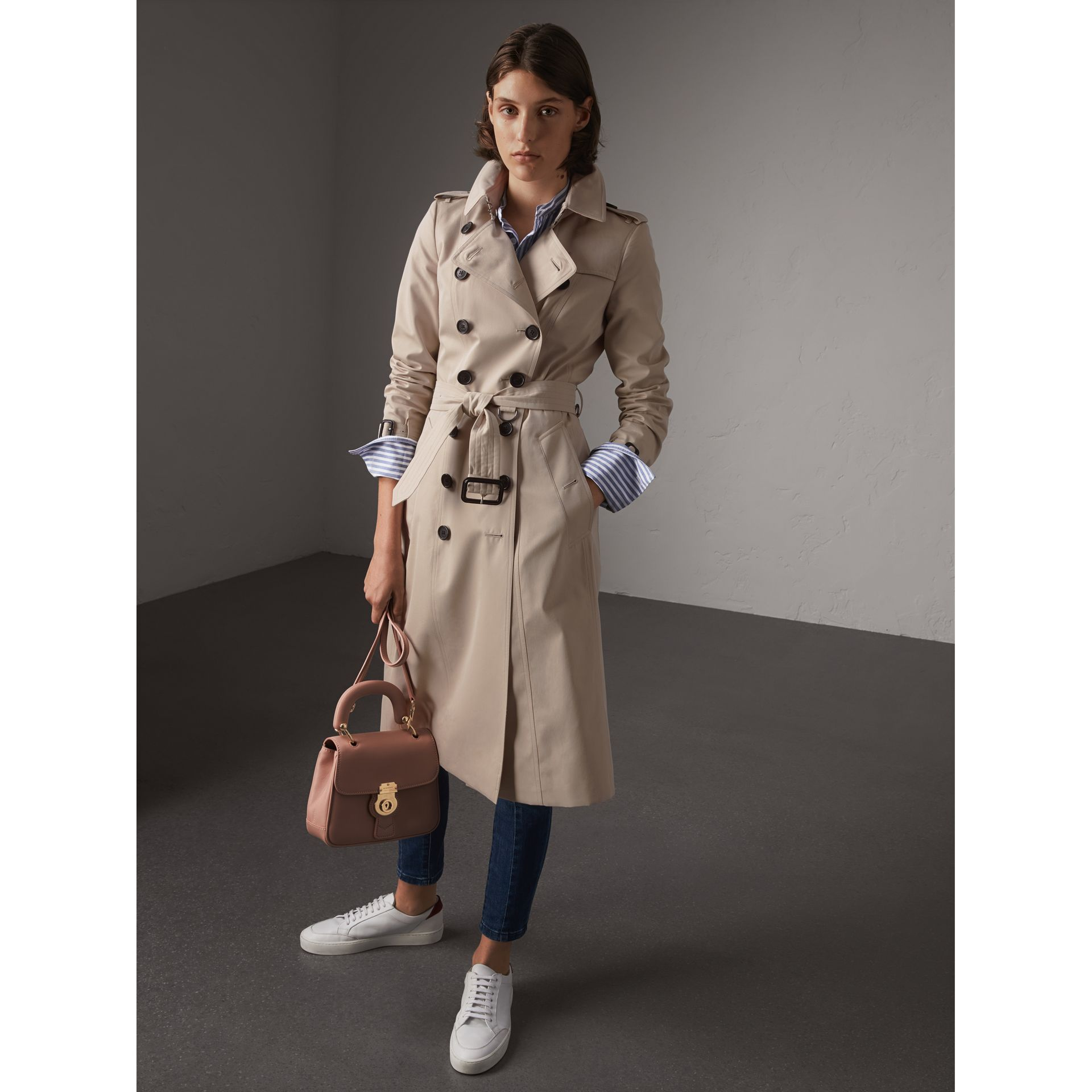The Chelsea – Extra-long Heritage Trench Coat in Stone - Women | Burberry - gallery image 8