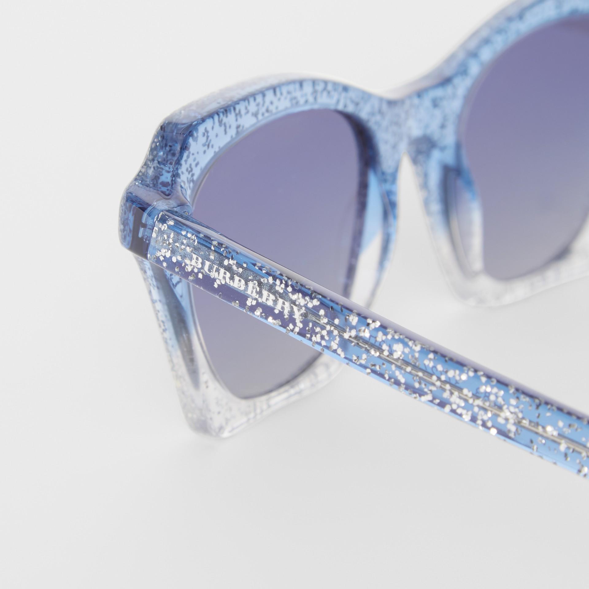Occhiali da sole con montatura a farfalla (Blu) - Donna | Burberry - immagine della galleria 1