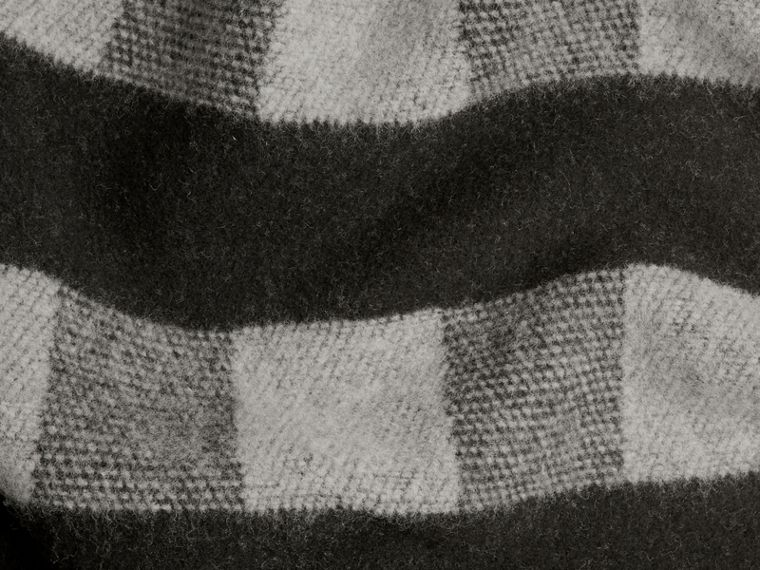 Check Wool Cashmere Blanket in Dark Grey - cell image 2