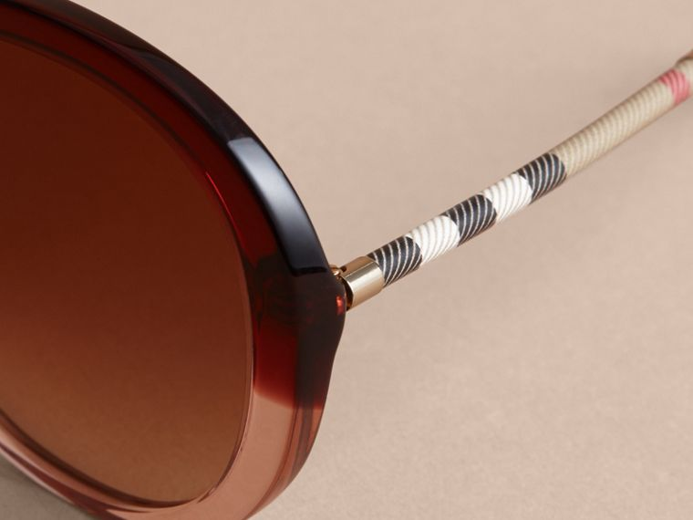 Check Detail Round Frame Sunglasses Oxblood - cell image 1