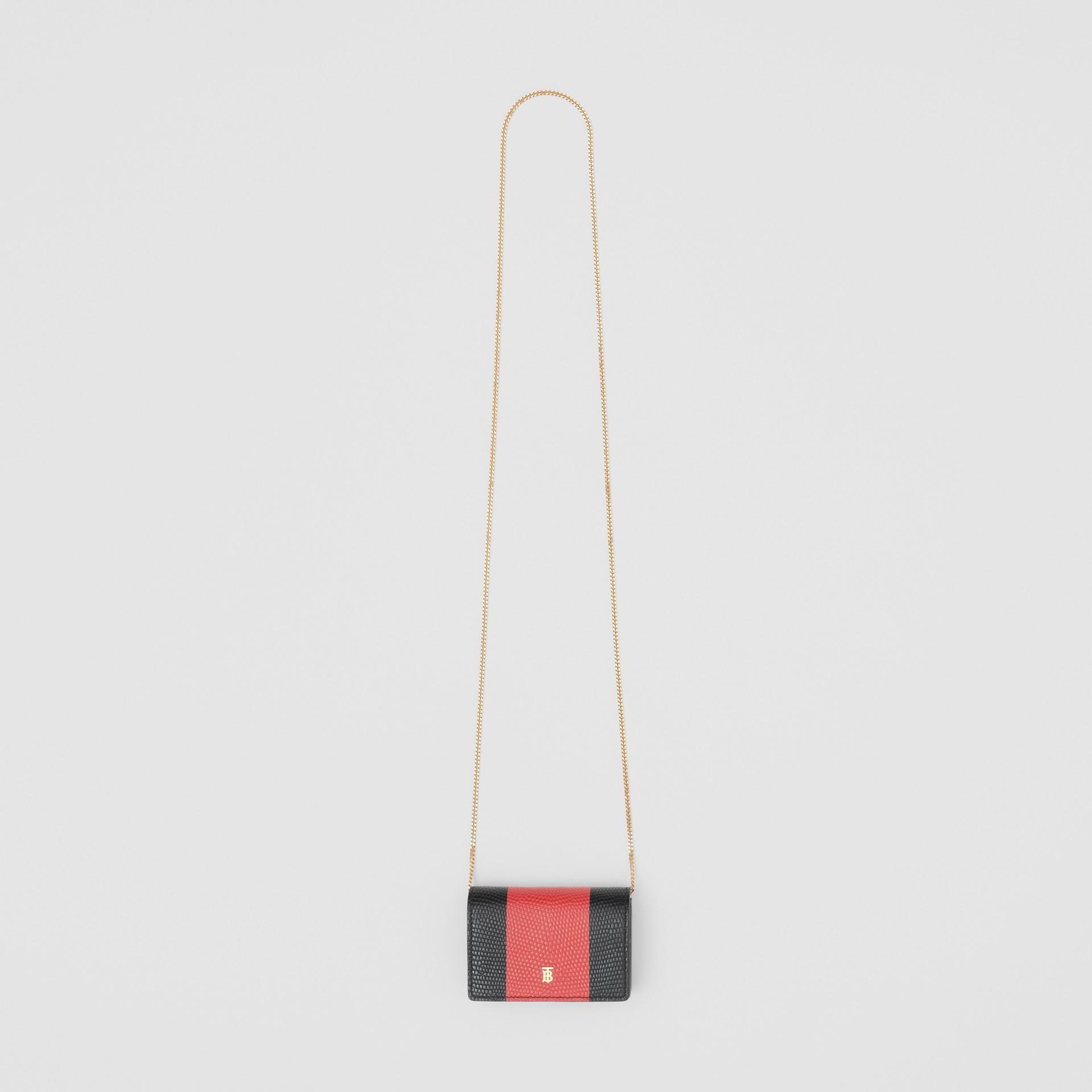 Tarjetero en piel grabada con asa de quita y pon (Negro) | Burberry - imagen de la galería 4