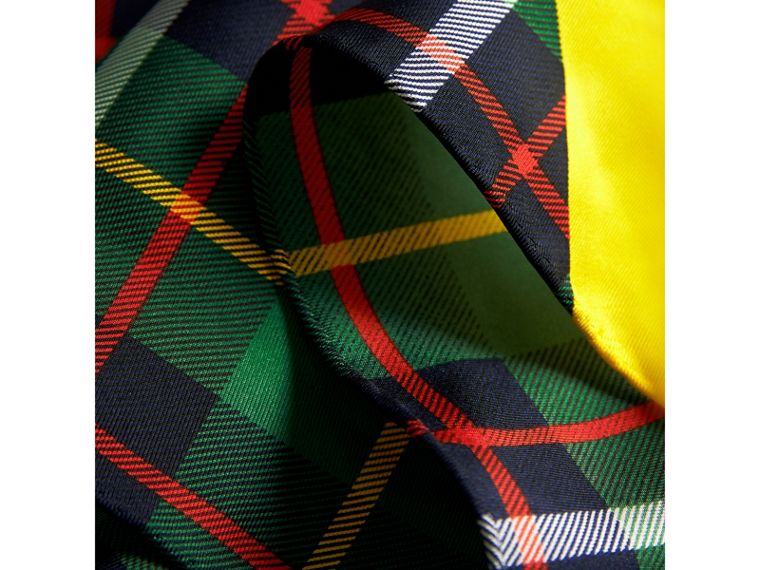 The Burberry Bandana in Check Silk in Racing Green | Burberry United Kingdom - cell image 1