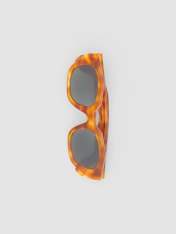 Geometric Frame Sunglasses in Tortoiseshell Amber - Women | Burberry - cell image 3