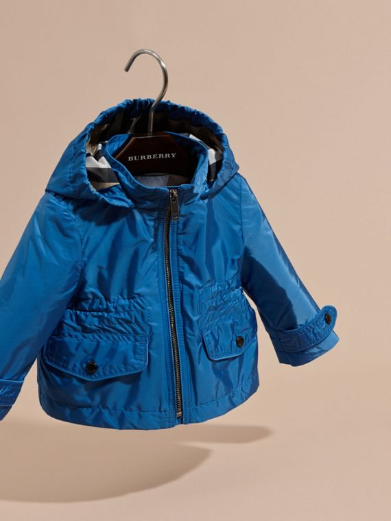 Hooded Packaway Technical Jacket in Hydrangea Blue - cell image 2