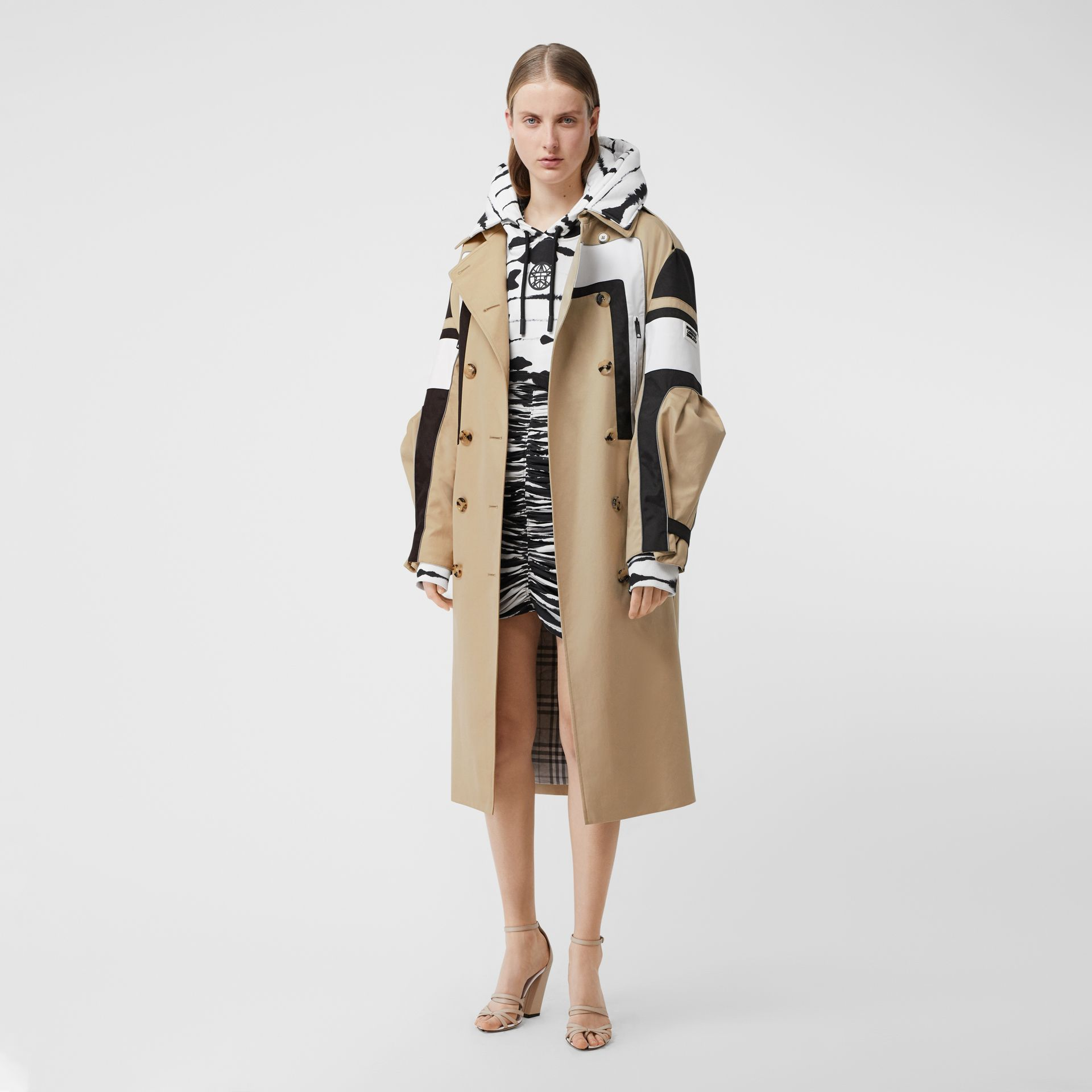 Cotton Gabardine Reconstructed Trench Coat in Soft Fawn - Women | Burberry Australia - gallery image 5