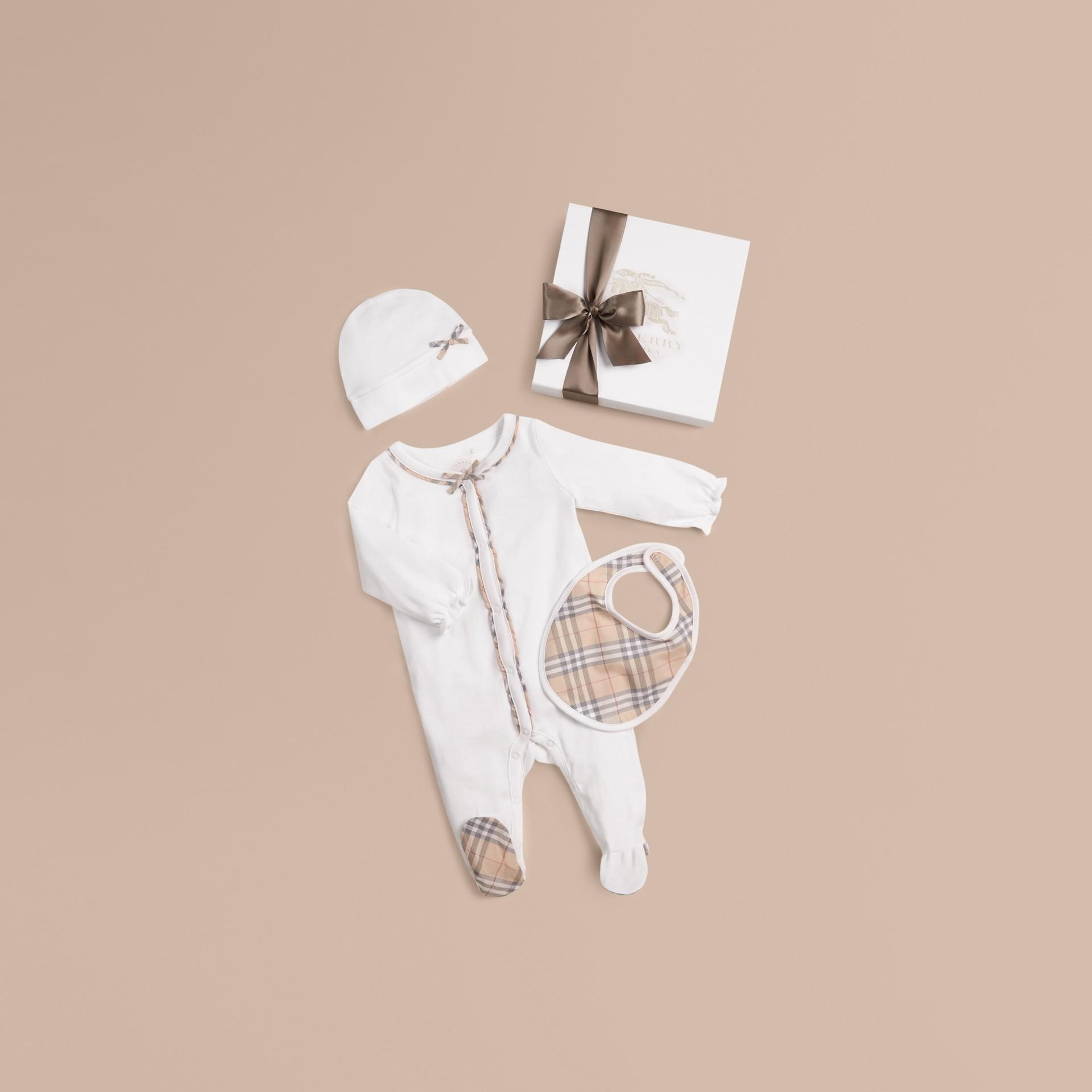 Bianco Set regalo da tre pezzi in cotone con motivo check per neonato Bianco - immagine della galleria 1